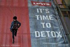 Levi's 'Detox' Action in Copenhagen © Will Rose / Greenpeace