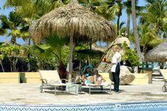 Pool service at Occidental Grand Aruba #allinclusive