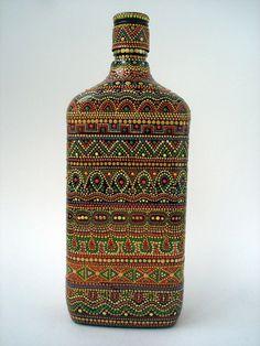 Фотографии Magic Point - Точечная роспись. Идеи handmade   21 альбом Use Of Bottle, Bottle Art, Bottle Crafts, Mosaic Bottles, Painted Glass Bottles, Paint Bottles, Dot Art Painting, Mandala Painting, Point Paint