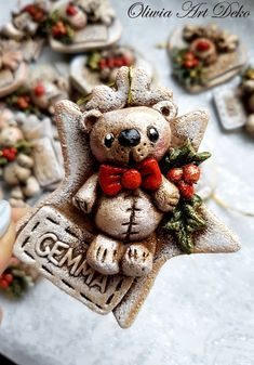 Oliwia Art Deko: Christmas is coming! Noel Christmas, Christmas Toys, Christmas Is Coming, Diy Christmas Ornaments, Christmas Wreaths, Christmas Decorations, Xmas, Cold Porcelain, Christmas Crafts