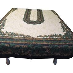 Damask with Print Border Tablecloth - b151