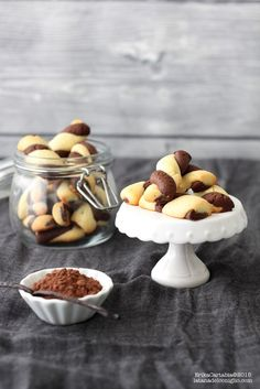 The Rabbit Hole: le cacao et la vanille Intrecci White Chocolate Cookies, Chocolate Treats, Biscuit Cake, Biscuit Cookies, Sweet Cookies, Sweet Treats, Le Cacao, Italian Cookies, Sweet And Salty