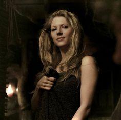 Lagertha Katheryn Winnick Vikings, Vikings Lagertha, Ragnar, Vikings Tv Series, Vikings Tv Show, Female Face Drawing, Celtic Warriors, The Duff, Woman Face