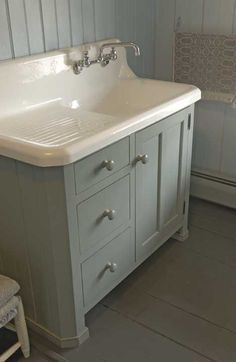 """of the Bath . I love how they took an old """"drainboard sink"""" and turned it into a bathroom vanity sink. I love how they took an old """"drainboard sink"""" and turned it into a bathroom vanity sink. Farmhouse Sink Kitchen, Kitchen Sinks, Kitchen Cabinets, Bathroom Cabinets, Farm Sink, Farmhouse Vanity, Vintage Farmhouse Sink, Bathroom Furniture, Granite Bathroom"""