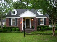 If you're looking for cottage style brick homes with a close proximity to downtown Charleston and the beach, Byrnes Down in West Ashley is a great place to start your home search. Buyers love the charming and classic home styles that date from the 1940's. Byrnes Down also appeals to home buyers looking for a fixer upper home in West Ashley.