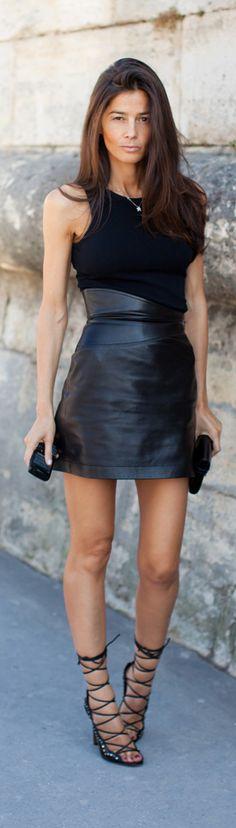Street Style Barbara Martelo wearing a Little Black leather dress & black lace up Heel Sandals Leather And Lace, Black Leather Skirts, Leather Dresses, Leather Shoes, Leather Jacket, Barbara Martelo, Corps Parfait, Lace Dress Black, Dress Lace
