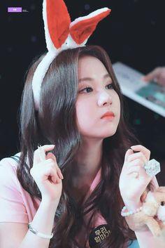 48 Ideas For Baby Girl Ulzzang Name Kpop Girl Groups, Korean Girl Groups, Kpop Girls, Jung Eun Bi, Pretty Asian, G Friend, Sexy Asian Girls, Ulzzang Girl, Woman Face