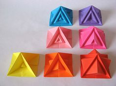 Origami: Piramide settima e varianti - Seventh pyramid and variants, by Francesco Guarnieri Sticky Note Origami, Sticky Notes, Geometric Origami, Origami Design, Origami Box, Origami Paper, 3d Paper, Paper Quilling, Cardboard Crafts