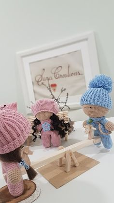 """Sara Creations - crocheted toys & wooden handmade things - colectia """" Little ones """" Jucarii crosetate & accesorii lemn handmade - colectia """" Little ones """" Crocheted Toys, Crochet Hats, Little Ones, Cute, Blog, Handmade, Embroidery, Knitting Hats, Crochet Toys"""