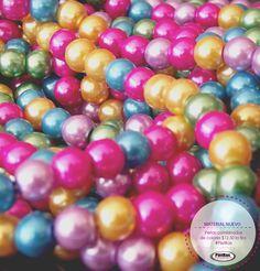 Perlas combinadas de colores a sólo $12.50 la tira. Visítanos en#PietRas , encontrarás #UnMillondeCuentas  #Bisuteria
