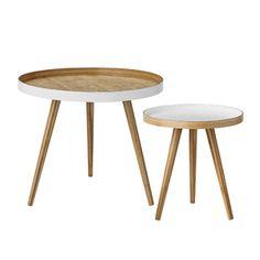 Table basse forme ronde Bloomingville en bambou, vendue par set de 2. Leur plateau est bicolore, blanc et bois naturel pour marquer leur ligne scandinave
