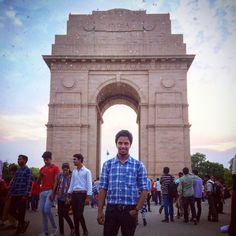 places to visit in delhi must visit places in delhi top 5 places in delhi india gate bahai temple lotus temple akshardham qutub minar red fort