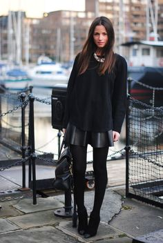 melhor cor de cabelo do mundo!! kkkk  Zina Charkoplia (FASHIONVIBE) in London wearing all black