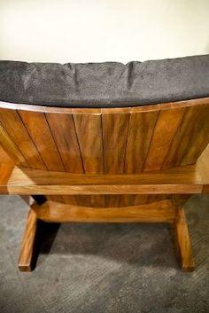 """bolsa! abril 6, 2009 Em """"Essa é boa"""" Boneco do Coringa é igualzinho a Heath Legder em miniatura janeiro 20, 2009 Chair Design Wooden, Sofa Design, Furniture Making, Wood Furniture, Bassinet, Armchair, Woodworking, Chairs, Home Decor"""