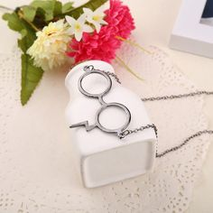 Unusual glasses necklace that takes inspiration from the famous wizard with a tiny lightning bolt scar feature. This quirky ring makes a perfect gift for book lovers or fans of fantasy novels. Choose