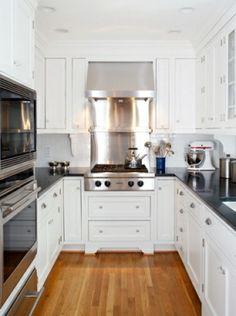 U-alakú beugró konyha