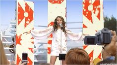 Miley live at the Disney Christmas Day Parade 2007