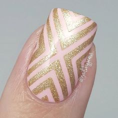 Adorable nails done using Whats Up Nails - X-pattern stencils from whatsupnails.com @whatsupnails