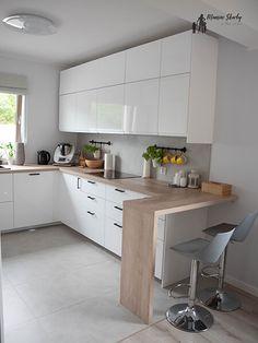 Kitchen Shelf Design, Kitchen Shelves, Modern Kitchen Design, Kitchen Reno, Interior Design Kitchen, Kitchen Cabinets, Küchen Design, House Design, U Shaped Kitchen