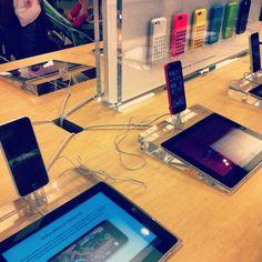 #apple #iphone #5c #ipad#colours #sample#applestore#shopp#decompras#nosmovemoscontigo #nosvemosenlastiendas  by #thebackpack