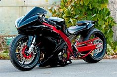 Awesome Street Bike - love the black and red