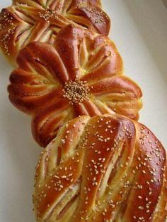 Булочки-цветочки с колбасой Sosis ile Muffin-çiçeği