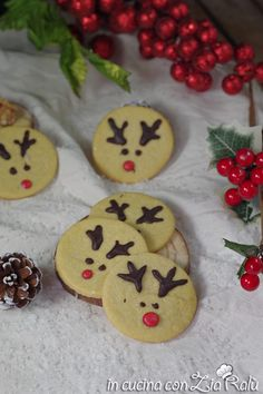 Biscotti renna di Babbo Natale - In cucina con Zia Ralù Biscotti Renna, Zia, Your Favorite, Favorite Recipes, Cookies, Desserts, Food, Crack Crackers, Tailgate Desserts