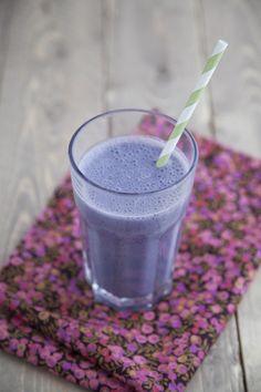 Purple Milkshake (soy milk, banana, blue berries, acai berries) - must translate this recipe!