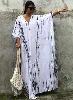 African Fashion Dresses, African Dress, Hijab Fashion, Fashion Outfits, Kaftan Style, Caftan Dress, Sewing Clothes, Diy Clothes, Clothes For Women