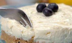 A Wonderful No Bake Lemon Cheesecake - Afternoon Baking With Grandma Crazy Cakes, Köstliche Desserts, Delicious Desserts, Dessert Recipes, Yummy Food, Lemon Cheesecake Recipes, Fruit Cheesecake, Easter Recipes, No Bake Cake