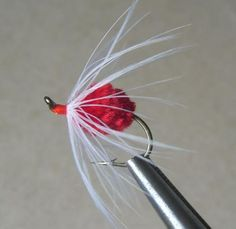 Sperm Bug Salmon and Steelhead Flies Trout Fishing Lures, Fly Fishing Gear, Fly Fishing Rods, Salmon Fishing, Fishing Gifts, Fishing Stuff, Fly Tying Desk, Steelhead Flies, Saltwater Flies