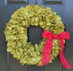 christmas wreath, green rag wreath, fabric door wreath. simple DIY