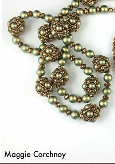 Beaded bead pearl necklace