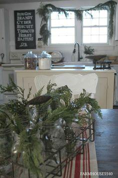 Christmas Farmhouse5540