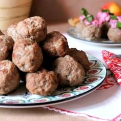 Swedish Christmas meatballs by Matmedmera Breakfast Ideas, Breakfast Recipes, Swedish Christmas, Beef Dishes, Meatball Recipes, Diet Foods, Yummy Appetizers, Meatloaf, Heavenly