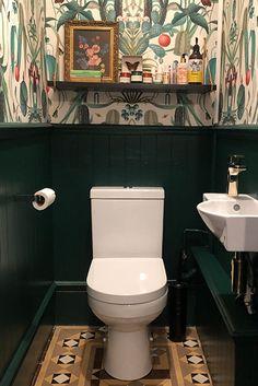 Small Toilet Decor, Small Downstairs Toilet, Toilet Room Decor, Small Bathroom Window, Bathroom Under Stairs, Small Toilet Room, Downstairs Cloakroom, Small Toilet Design, Wallpaper Toilet