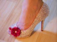 I love these diy rhinestone shoes