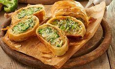 Veggie World, Tea Snacks, Recipes From Heaven, Spanakopita, Salmon Burgers, Superfood, Buffet, Veggies, Baking