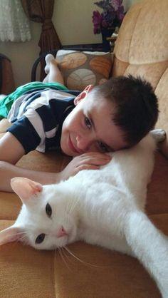 Pars 1 yasinda kisirlastirilmis van kedisidir. Daha once kedi bakmis ailelere ucretsiz sahiplendirilecektir.