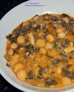 GARBANZOS CON ACELGAS ( Olla rápida ) | ¡¡A COCINEAR!! valkicocina.com Nut Recipes, Veggie Recipes, Cooking Recipes, Vegetarian Side Dishes, Healthy Recepies, Small Meals, International Recipes, Food Hacks, Easy Meals