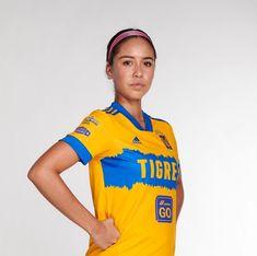 """Katty Abad & Greta Espinoza 📸🐯 on Instagram: """"Greta con el nuevo uniforme de Tigres femenil 📸😍🥰🐯💛"""""""