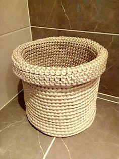 Shining Silver Basket - free crochet pattern by Simona Kastanauskiene.