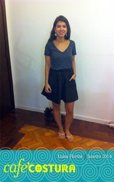 Luisa toda prosa com sua primeira saia!