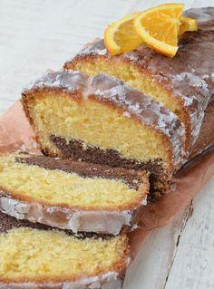 Budín marmolado de naranja y chocolate Sweet Recipes, Cake Recipes, Dessert Recipes, Baking Cupcakes, Cupcake Cakes, Almond Pastry, Cake Decorating Icing, Plum Cake, Pan Dulce