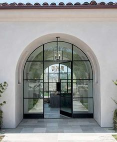 Coolest Modern Spanish Style Homes (interior/exterior) Ideas 2018 - Why Maxx Mediterranean Style Homes, Spanish Style Homes, Spanish House, Mediterranean Architecture, Spanish Revival, Spanish Colonial, Home Interior, Interior And Exterior, Exterior Homes