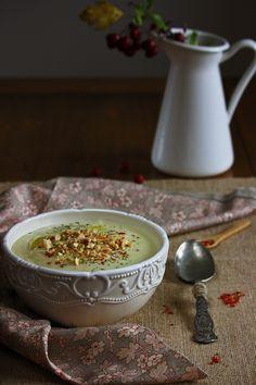 giroVegando in cucina: Vellutata di cavolfiore e nocciole  Cauliflower and hazelnuts creamy soup