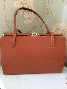 Vintage Brown Tan Leather Clasp Handbag 1950s by 2belovedagain on Etsy