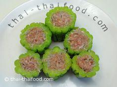 ยัดไส้มะระหมูสับกับวุ้นเส้น Melon Soup, Bitter Melon, Sushi, Ethnic Recipes, Food, Essen, Meals, Yemek, Eten