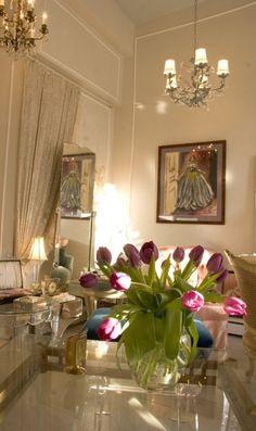I love tulips in this paris apartment