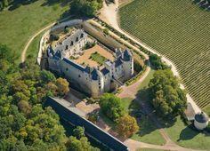 Vue aérienne du Château de Brézé © Château de Brézé